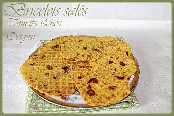"""Bricelets façon """"pizza""""  Source :   Une recette de bricelet ou gaufrette salée qui nous a beaucoup plus. J'ai divisé la recette pour ..."""