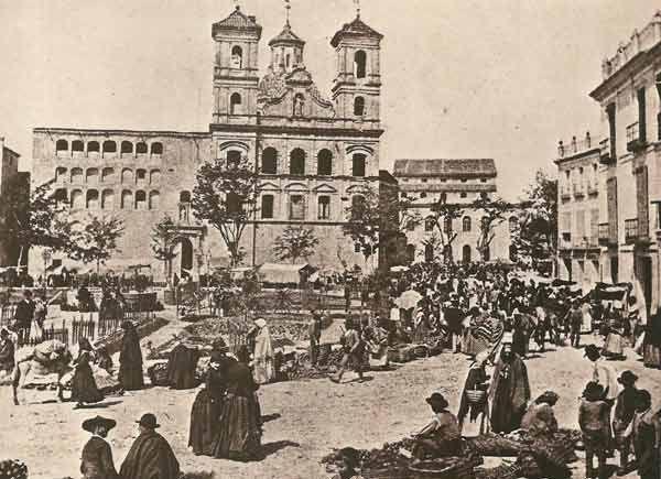 plaza de Santo Domingo -debajo hay un refugio antiaéreo-