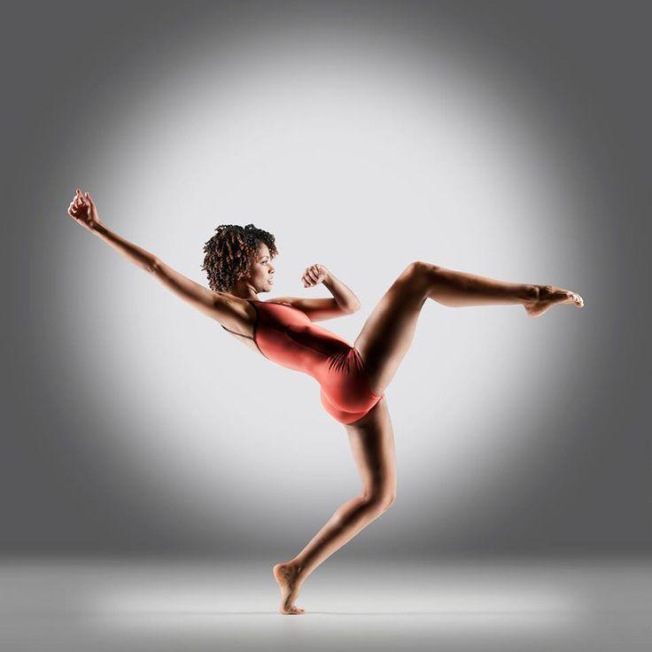 Fana Tesfagiorgis. Alvin Ailey American Dance Theater. Copyright Richard Calmes