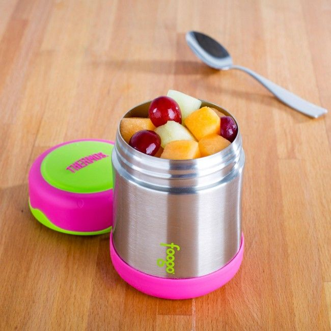 Keep your food hot or cold on the go with a Thermos King Thermal Food Jar. Stainless steel vacuum insulated double wall construction helps maintain superior temperature retention and stays cool to the touch with hot liquids.