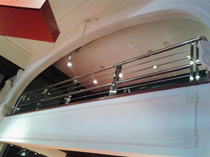 Ibarkalde fabrica e instala una de las barandillas de acero inoxidable del Casino Kursaal de San Sebastián-Donostia