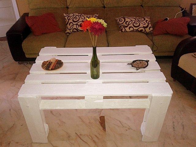 Mesa de comedor hecha con pallets decoracion diy for Decoracion de mesas de comedor
