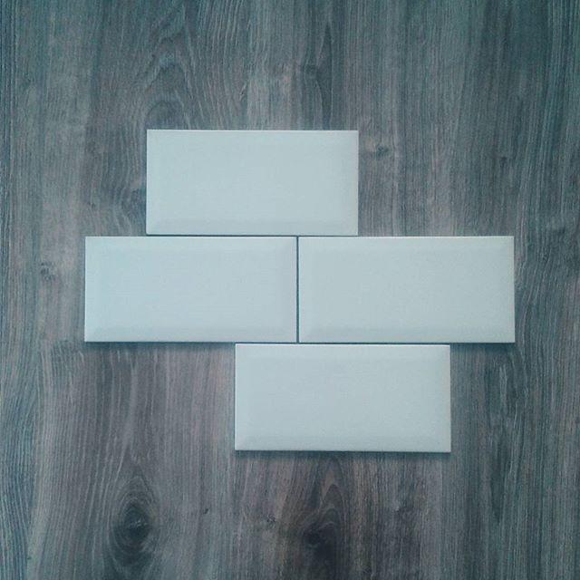 Kitchen tiles ♡ . . . #angiekariofilli #kitchenplanning #kitchen #kitchentile #kitchentiles #white #whitetiles #interior #interiordesign #kitchendesign #kitchens #kitchenset #kitchendecoration #home #homeinspo #homedecor #homesweethome #greece🇬🇷 #greekyoutube #greekblogger #greekyoutubers #greekbeautyblogger