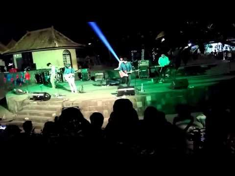 indonesia yogyakarta ugm university entertainment