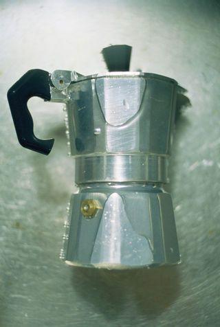Come pulire la caffettiera con il sale