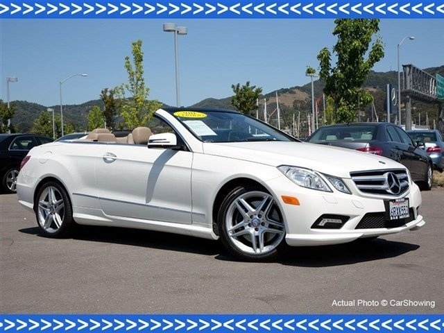 2011 diamond white metallic mercedes benz e class e550. Black Bedroom Furniture Sets. Home Design Ideas