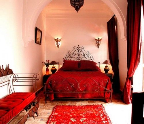 Charmant Moroccan Decor Ideas With Stripes And Realist Paintings : Moroccan Decor  Ideas Red Typical Carpet Red Pillow Red Bed Sheet Typical Metal Bed.