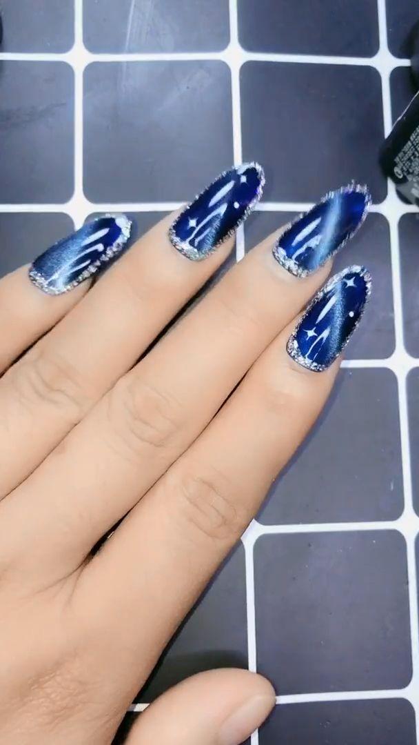 Blue Bottom Diamond um den Nagel, 30 Nageldesigns, die so perfekt für den Sommer sind