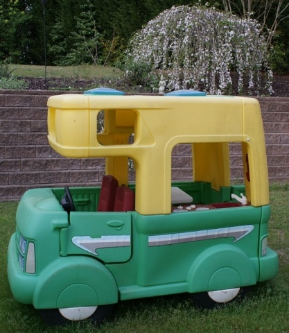 Little Tykes RV - OH. MY. GOODNESS!