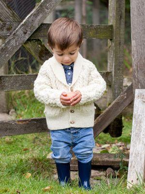 Pojkcardigan med sjalkrage i Novita 7 Bröder | Novita knits