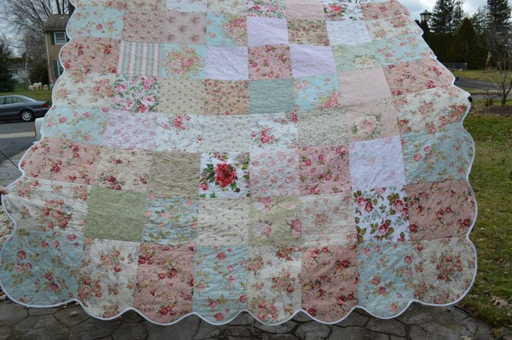 shabby chic quilts | Shabby Vintage Chic Queen Size Bedding Quilt Roses Patchwork Vintage ...Use natural edges