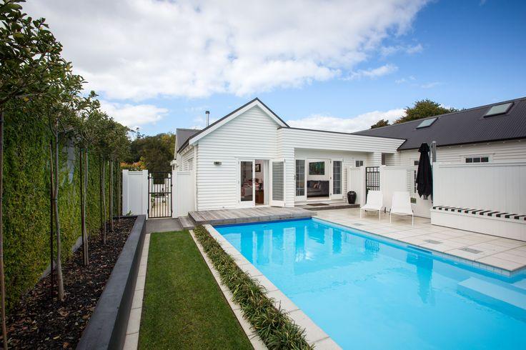 + Mulgrew Home - Waikato River Hamilton +