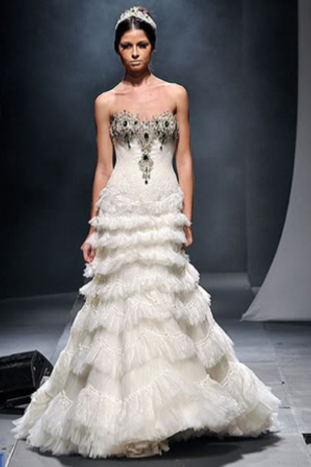 Michael Cinco 2013 Evening Collection
