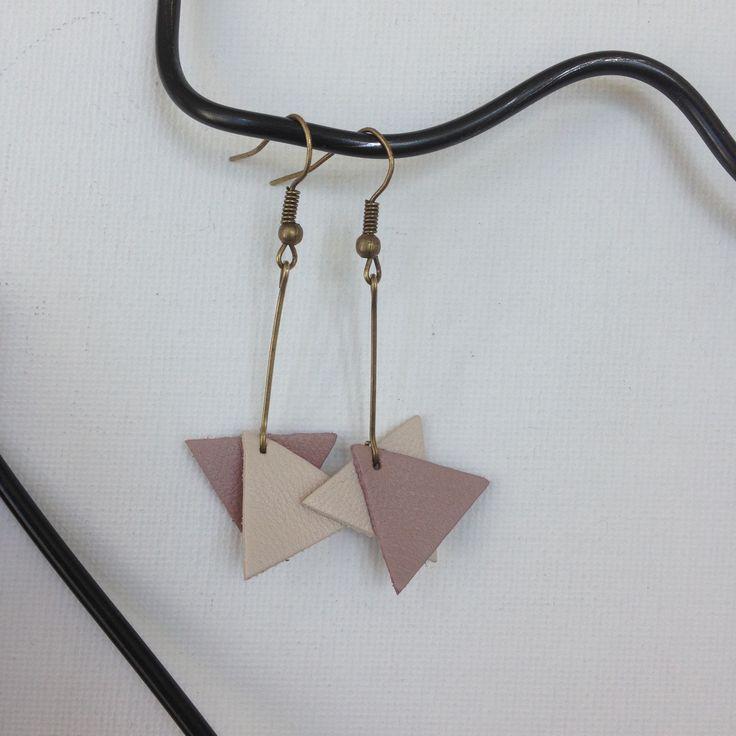 Boucles d'oreilles - cuir triangulaire rose