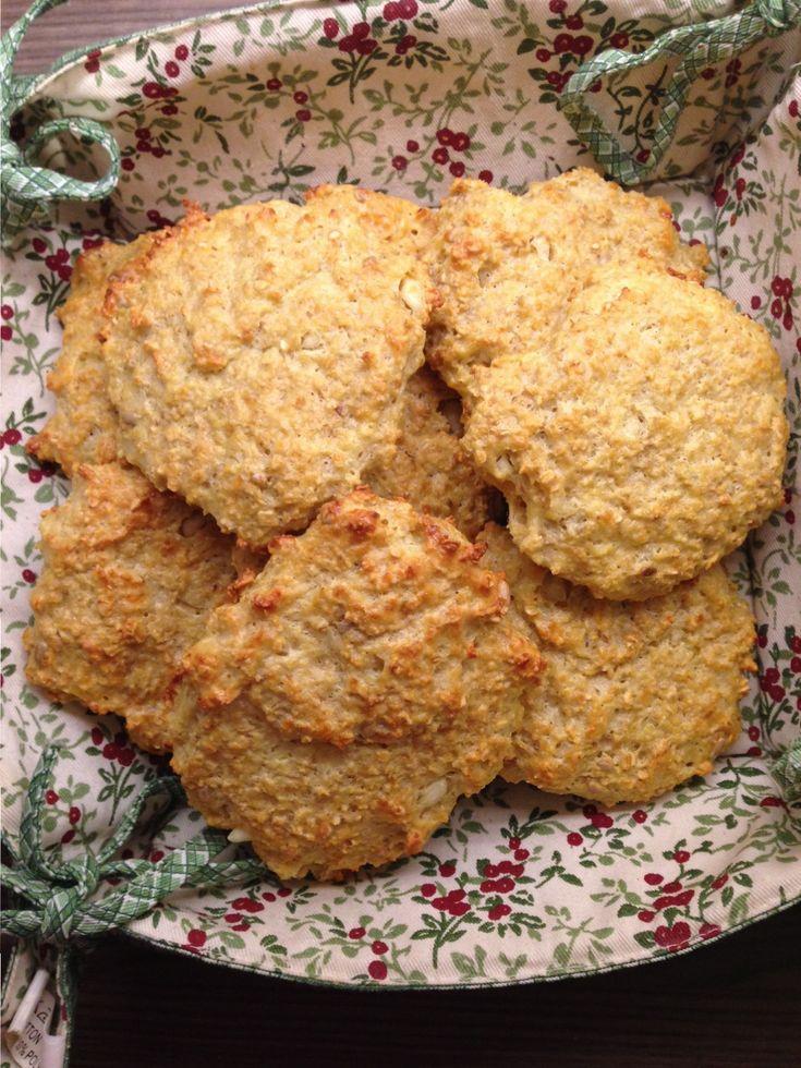 Lag velsmakende, enkle og proteinrike scones med fem ingredienser. Disse er…