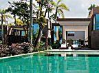 Casa em condomínio na praia, projetado por Arthur Casas