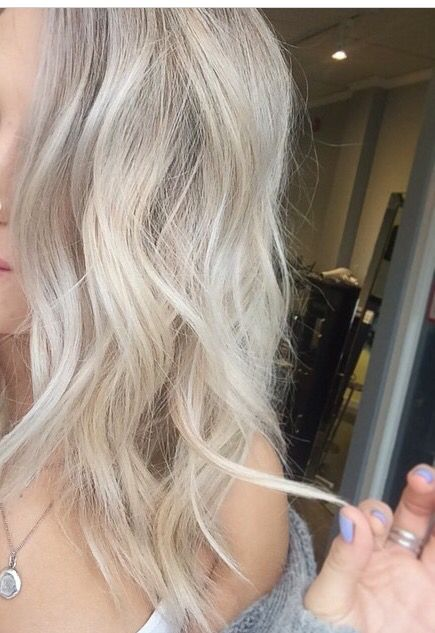 Obsessed with this ash blonde for summer