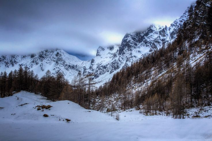 Mountain landscape (Alpe Devero, Italy) by Cristian Zubiena on 500px