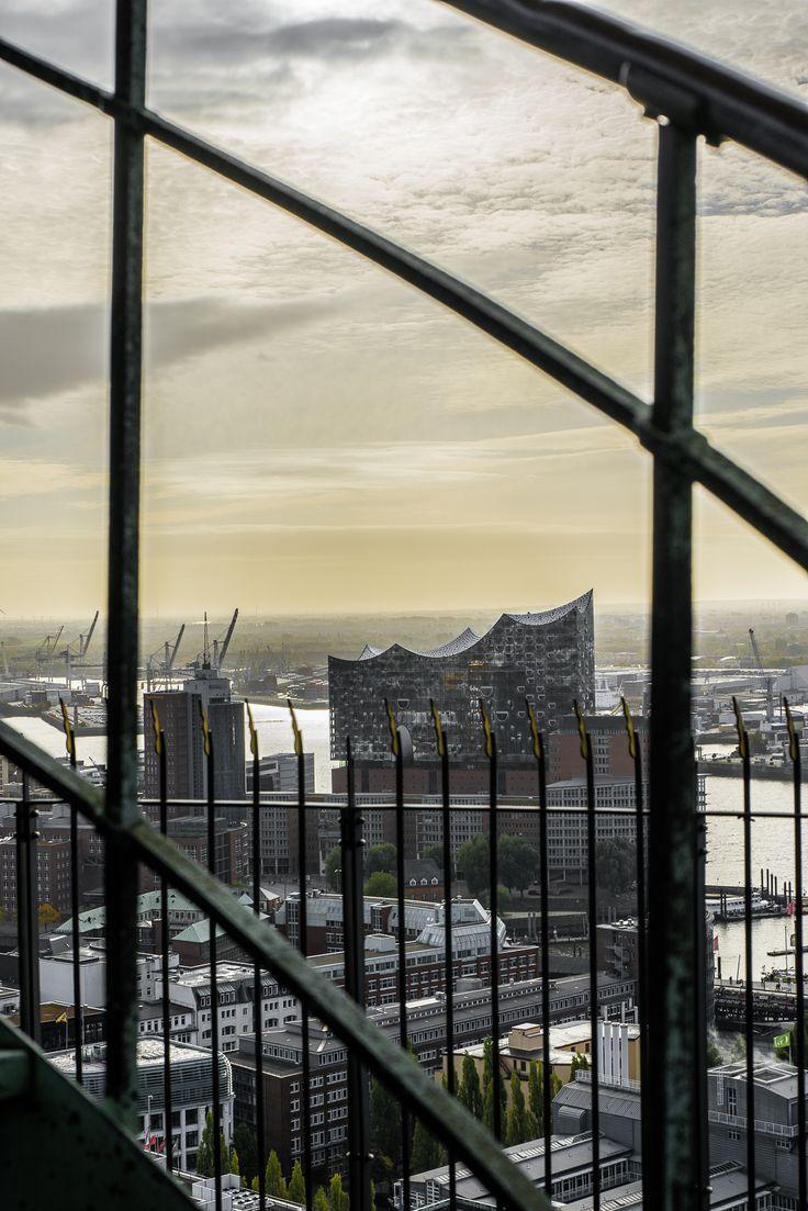 Hamburg Foto mit der Elbphilharmonie vom Michel aus fotografiert | Bildschönes Hamburg