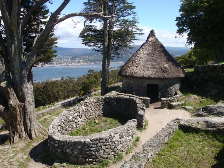 Santa tecla , A Guarda, Pontevedra Vivienda prerromana en el Monte Santa Trega