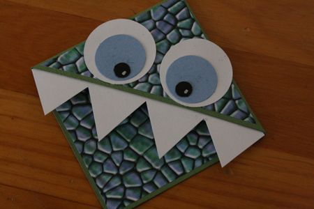 Super cute monster bookmarks!  What a fun idea and easy for the kids to make too.