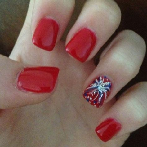4th of July Nails! The Very Best Red, White and Blue Nails to Inspire You This Holiday! Fourth of July Nails and Patriotic Nails for your Fingers and Toes!