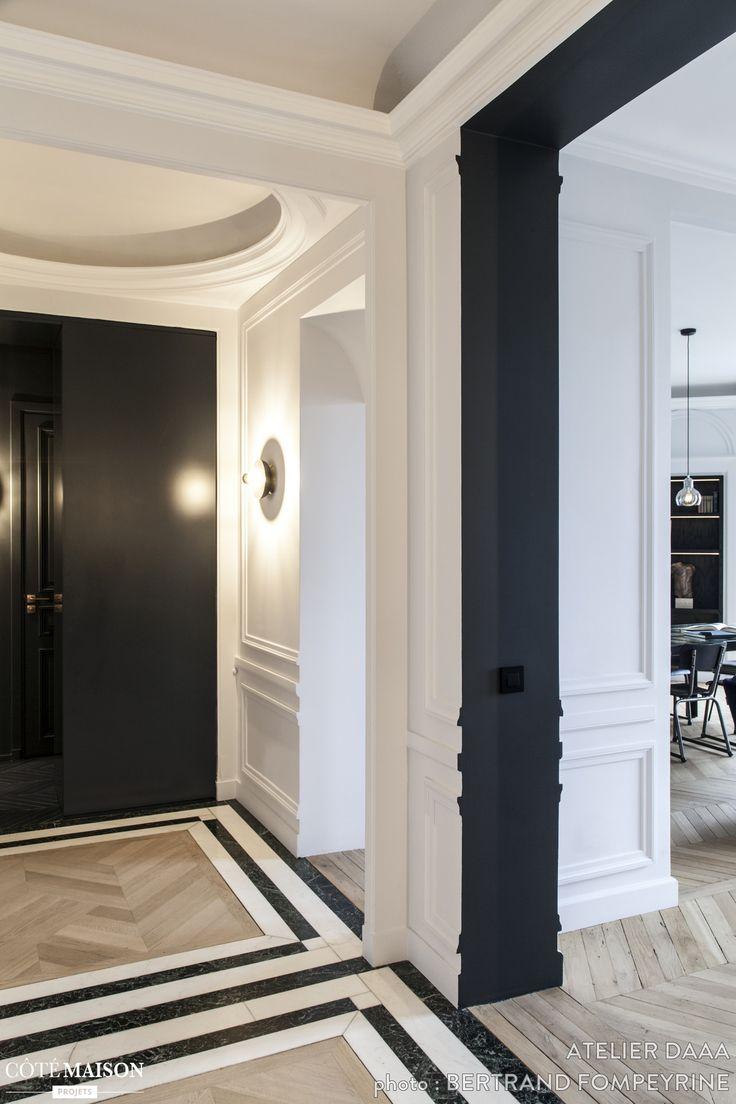 moulures parquet en points de hongrie grands espaces cet appartement parisien reprend tous. Black Bedroom Furniture Sets. Home Design Ideas