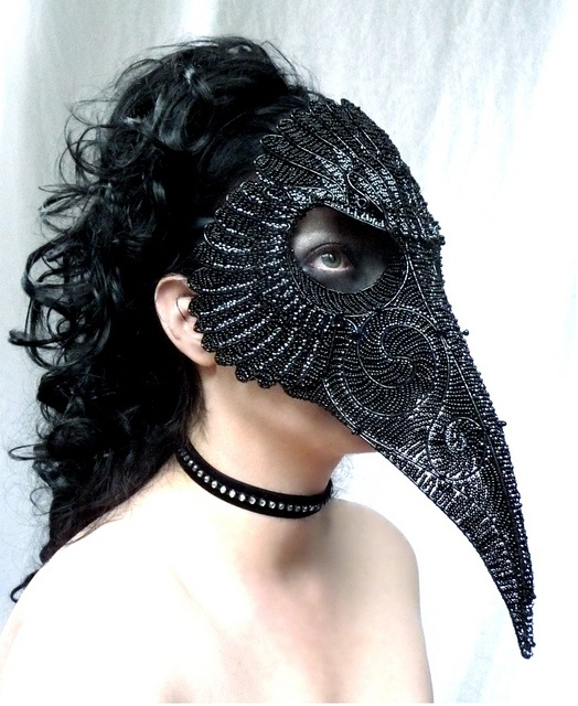 What a brilliant crow costume!!