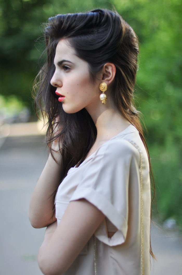 just, wow.: Body, Vintage Wardrobe, Makeup, Chains, Vintage Bags, Golden Diamonds, Pretty Hair, Bought, Small Vintage