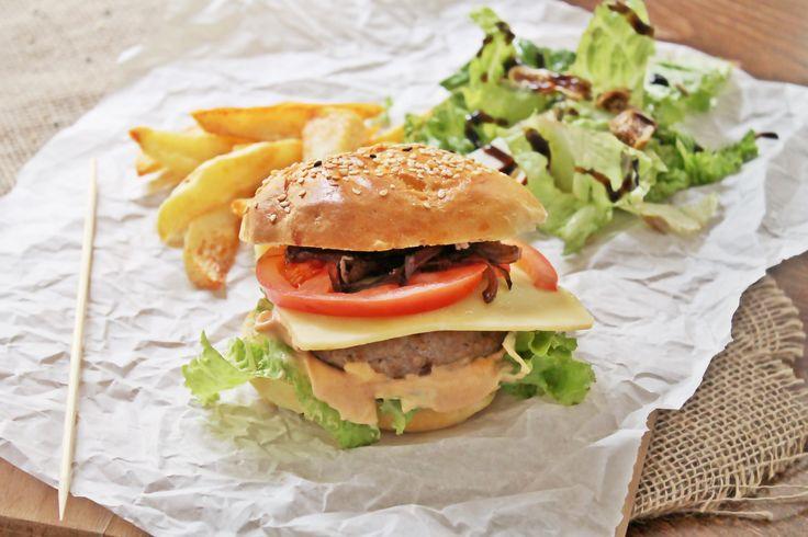 Σπιτικό burger | Homemade burger made from the scratch