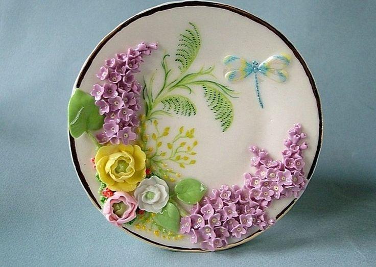 Светлана Орешкина, художник. С 1990 года профессионально занимается фарфоровой миниатюрой http://alionushka1.livejournal.com/319590.html