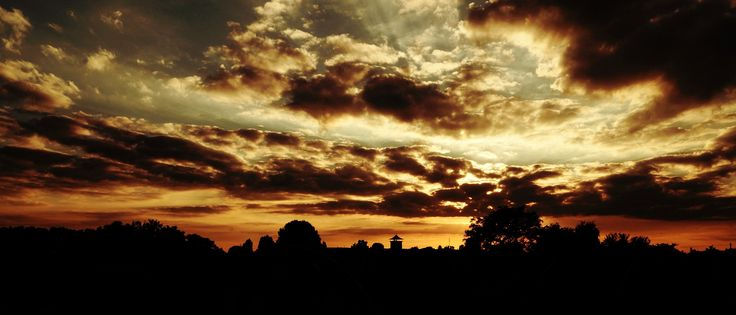 Sunset sep 2016 - http://www.funsite.eu/2016/09/sunset-sep-2016/?utm_source=PN&utm_medium=Pinterest&utm_campaign=SNAP%2Bfrom%2BFunsite.eu