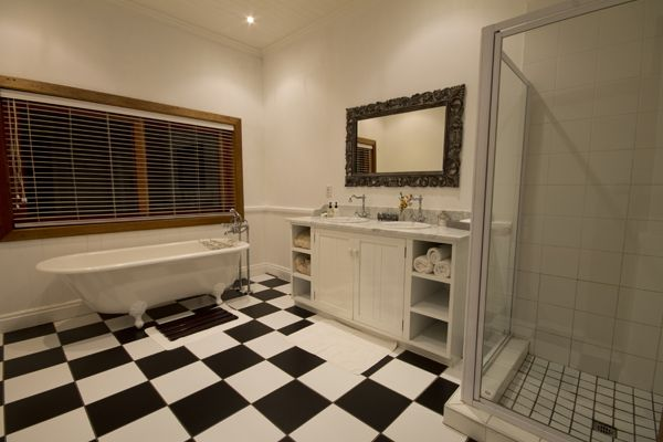 Family cottage bathroom at Dune Ridge Country House #StFrancisBay #Eastern Cape #SouthAfrica www.duneridgestfrancis.co.za