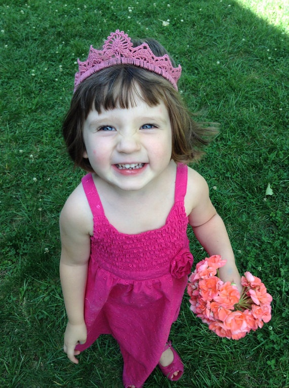 Pink tiara by Evelyn Mae Crochet on Etsy - $15