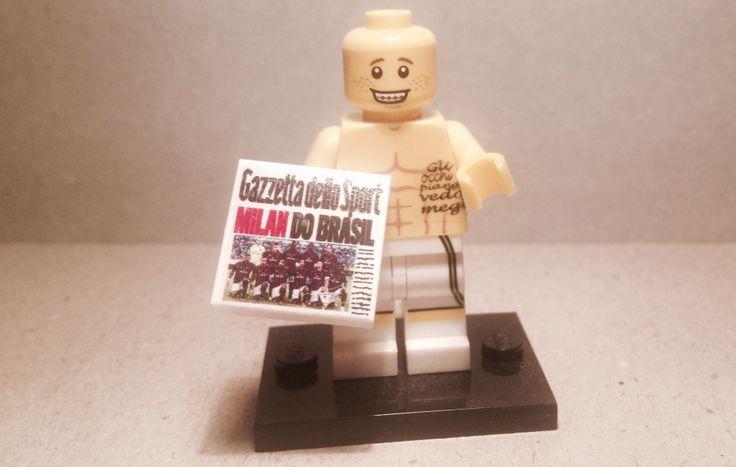 Minifigures lego personalizzata runner con tatuaggio e gazzetta sport