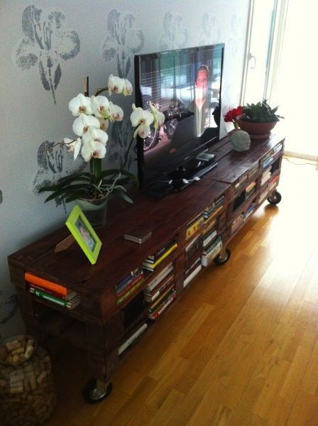 photo 2 1 600x4481 Amazing and practical TV set in furniture  with Television shelves Pallets