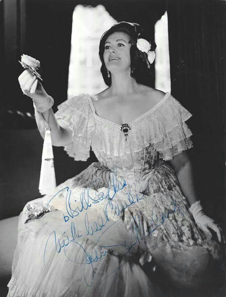 Joan Sutherland, la Stupenda Traviata #verdimuseum
