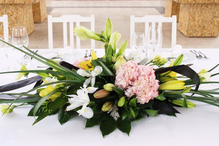 I&J #weddings #greenandwhite #decorations #woods #weddinginspiration #weddingideas #weddingdecoration #weddingvenues #centerpieces #flowers