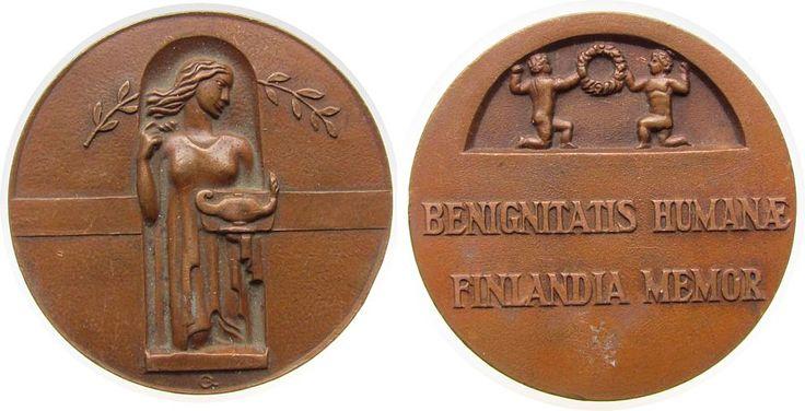 Medaille o.J. Finnland Bronze für aufopfernde Arbeit an den notleidenden Menschen, Art-Deco, weibliche Gestalt mit antiker Öllampe / zwei Knaben mit Kr EF