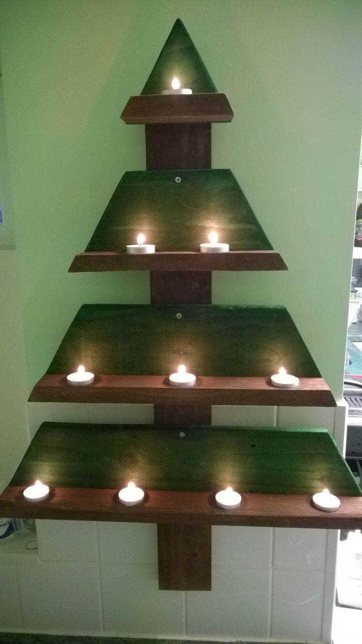 Yule Tree made from recycled wooden pallets  Brown and green wood stain for  trunks. Best 25  Green wood stain ideas on Pinterest   Wood stain