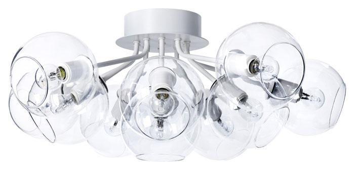 Den snygga plafonden Tage i vitt med 11 klara glasglober. Dekorativ och passar bra både över ett matbord och i ett vardagsrum. Krokupphäng. Ljuskälla ingår ej.