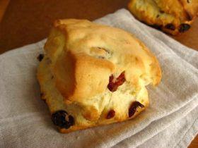 「クランベリーのスコーン」ラ・フイユ | お菓子・パンのレシピや作り方【corecle*コレクル】