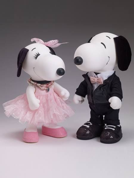 Putting on the Ritz! Snoopy and Belle are all dressed up for the event of the season! The Tonner two doll set is part of a limited edition of 100 pairs and are beautifully detailed. Start shopping at CollectPeanuts.com to support our site.