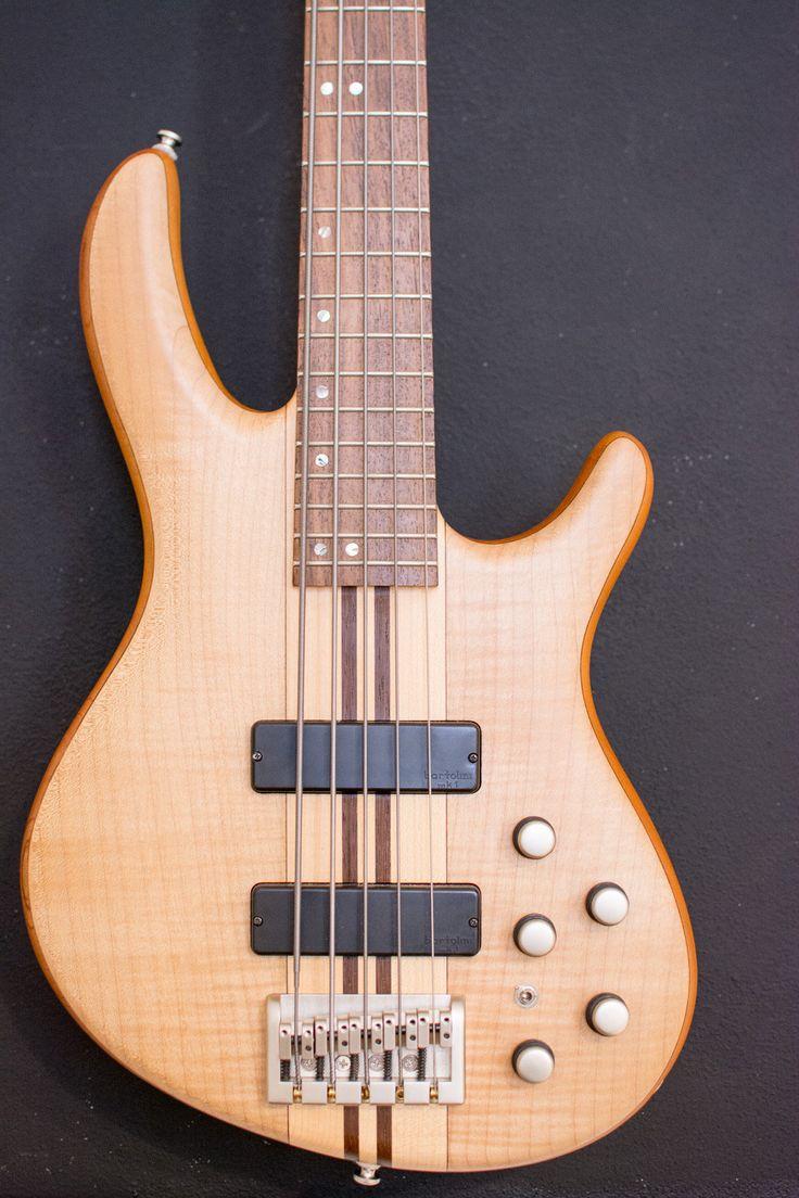 Cort A5 Bass – Artisan Series 5 string