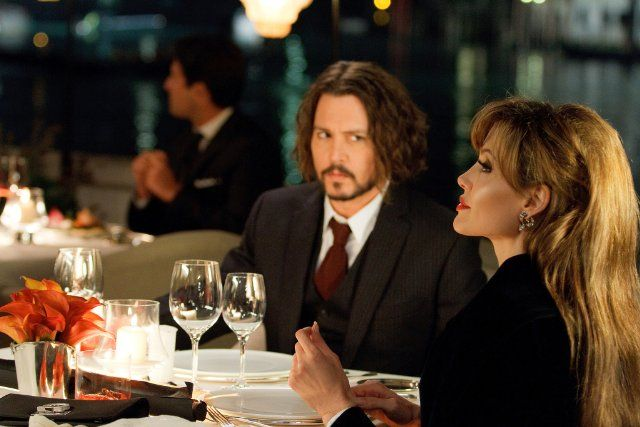 Johnny Depp and Angelina Jolie in The Tourist - is it just me or has she never looked better than in this movie!?