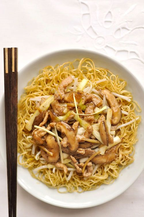 Cantonese Fried Noodles (Pork Chow Mein) recipe - crispy noodles with crunchy greens and flavorful meat in hot sauce. #takeout #noodles #chinese