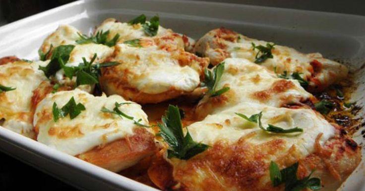 Kuřecí prsa zapečená se smetanou a sýrem | Čarujeme