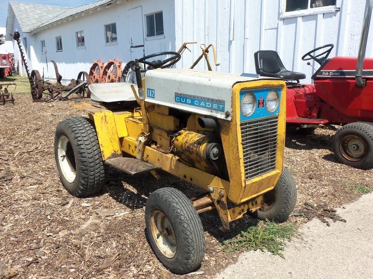 Red Cub Cadet Tractors : Old cub cadet international farmall pinterest tractor