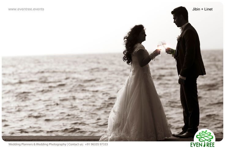 #BrideGroom #CandidPhotogrphy #WeddingPhotographyKerala   #Eventree  #EventreeWeddings #PostWedding www.eventree.events