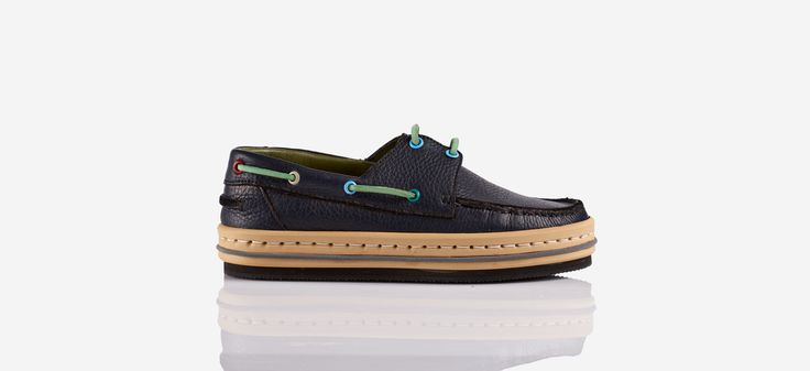 ''Bondi'' limited boat shoes for both men and women
